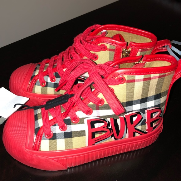 585dff84bc2a Burberry Shoes